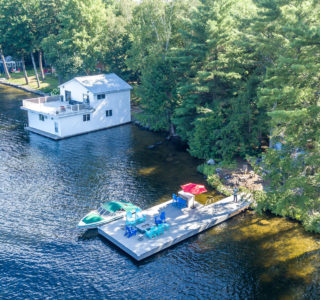 TIVADok Cottage Country Muskoka