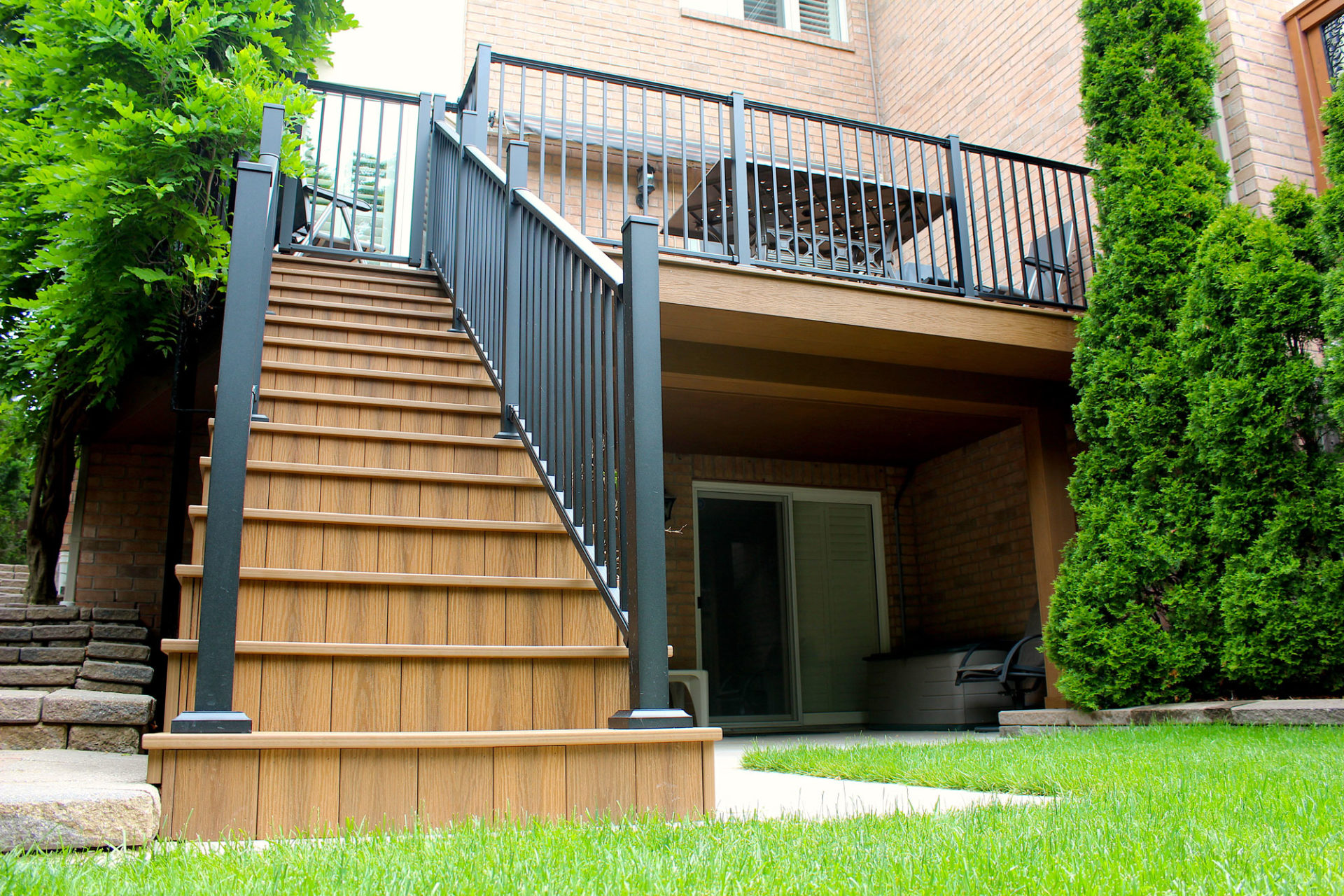Tiva-Deck-the-Best-PVC-Decking-Oakville-Tigerwood