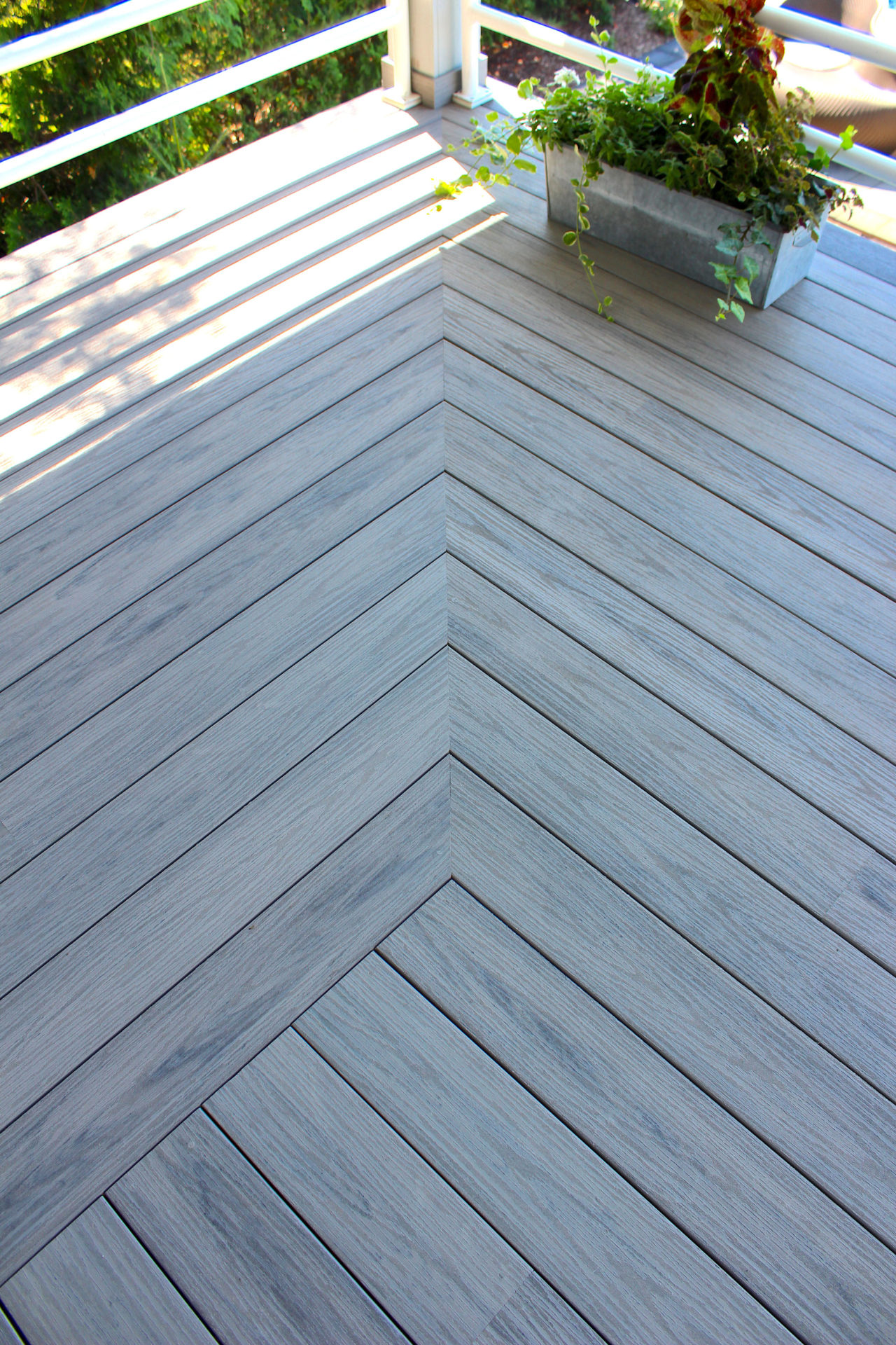 Tiva Deck Backyard PVC Deck Georgian Bay Cottages