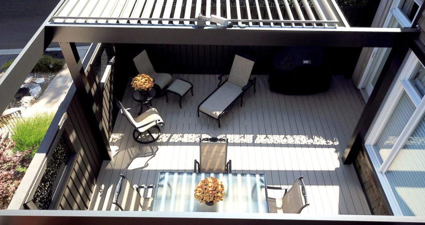 Backyard-deck-build